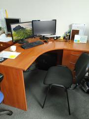 СРОЧНО -  распродаем офисную мебель в идеальном состоянии, ДЕШЕВО